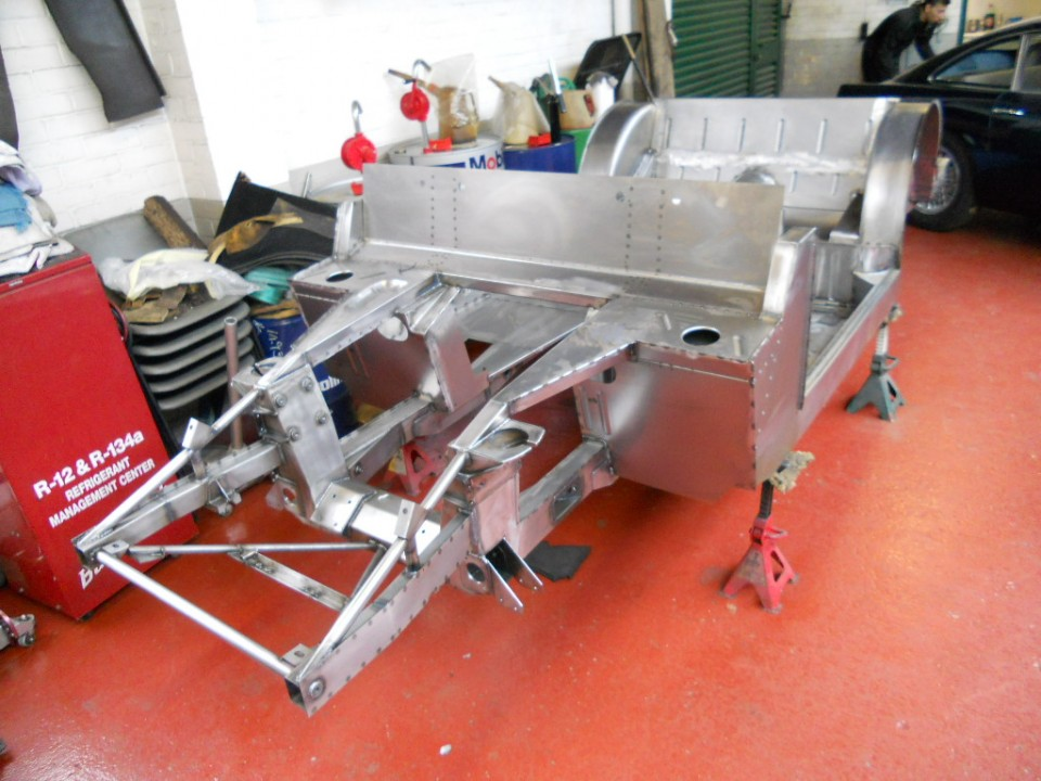 DB5 Chassis